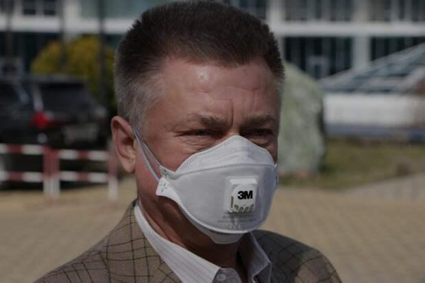 В отеле экс-министра обороны Украины Лебедева изолированы 65 человек