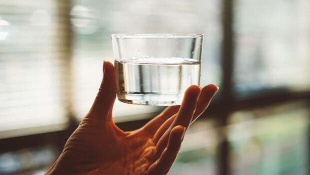 Ученые из Чехии создали металлическую воду, которая проводит электричество