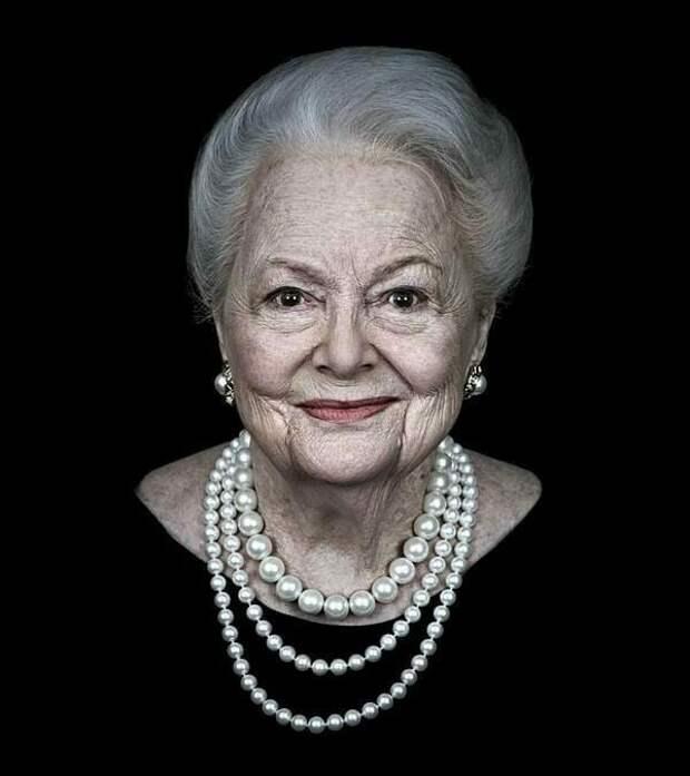 Как можно выглядеть в 102 года: последняя живая актриса из «Унесённых ветров»