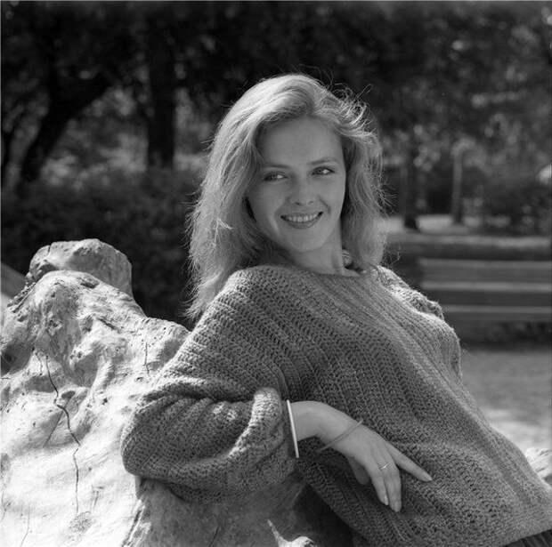 """Ольга Битюкова (Варя из фильма """"Москва - Кассиопея"""") в расцвете лет и красоты."""