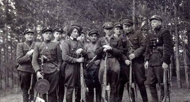 После войны в 1949 году уничтожал диверсионные банды в Литве Великая Отечественная  война, МГБ, НКВД СССР, ветеран войны, виктор абросимов, вов, днепропетровск, юнга