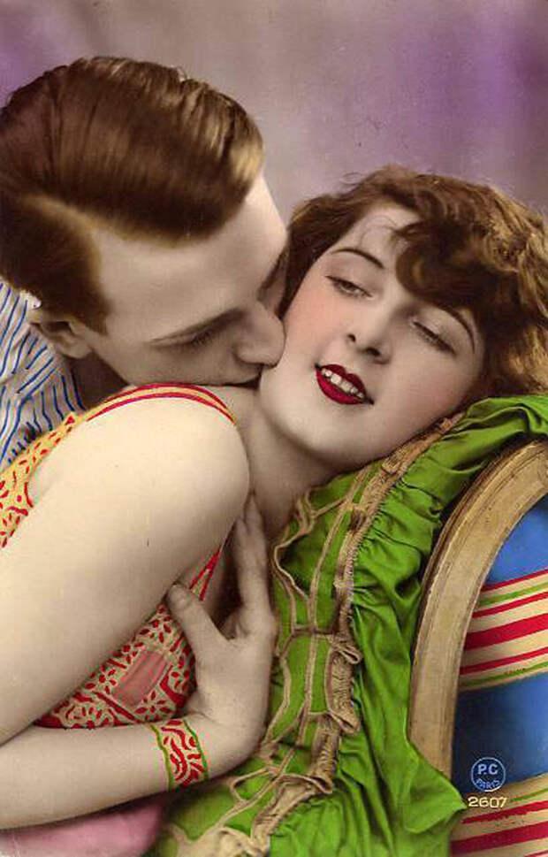 Французские открытки, в которых показано, как романтично целовались в 1920-е годы 33