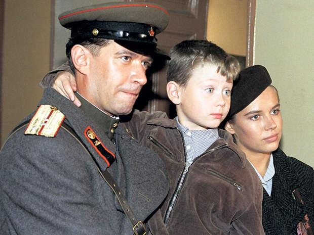 Лихо сыграв на одном профессиональном уровне с Владимиром Машковым и Екатериной Редниковой, 7-летний мальчишка обеспечил «Вору» почетное 24-е место в списке 100 главных русских фильмов
