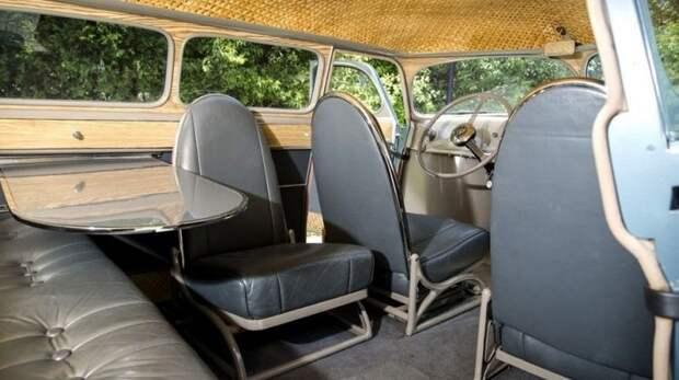 Весьма скромный салон «Скарабея» с диваном и регулируемыми кожаными креслами авто, автодизайн, автомобили, дизайн, интересные автомобили, минивэн, ретро авто
