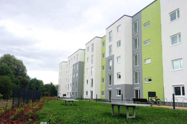 новые корпусы домов, построенные специально для беженцев в Германии