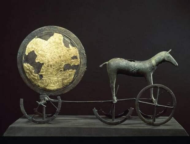 Люди и находки из датских курганов бронзового века