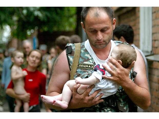 Шестнадцать лет назад в Беслане террористы захватили школу с тысячей заложников