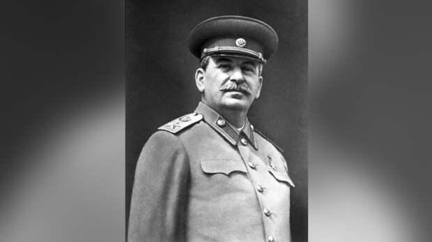 Журналист Сванидзе оценил идею КПРФ создать Сталин-центр