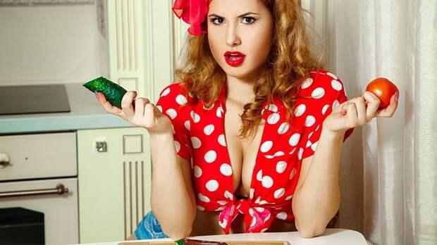 Оказывается, огурцы ипомидоры нельзя смешивать водном салате— объясняет диетолог