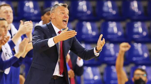 Тренеры баскетбольной «Барселоны» заболели коронавирусом. 1 октября они играли с ЦСКА