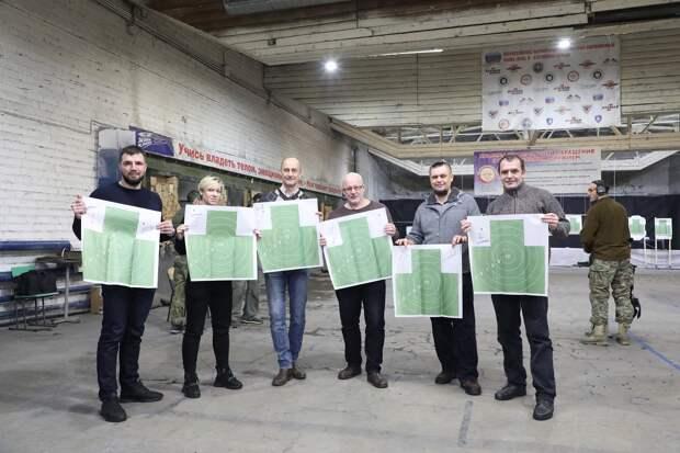 Команда Нижегородского областного информационного центра заняла третье место в турнире по стрельбе среди представителей СМИ