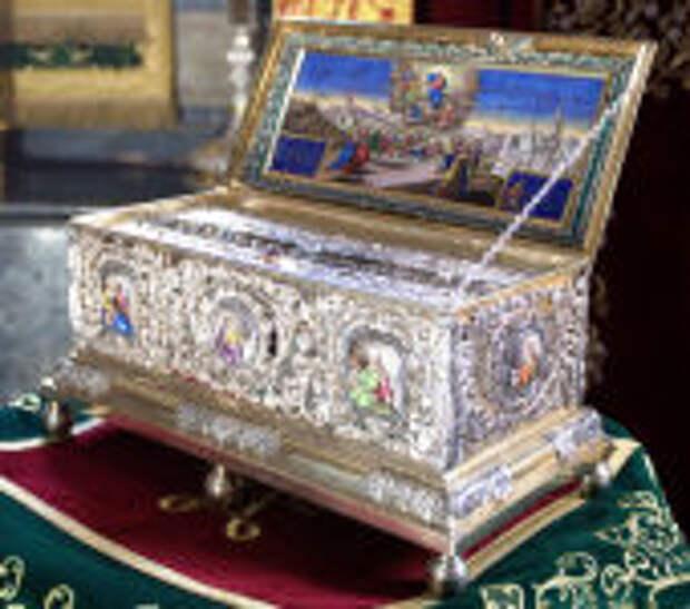 Святейший Патриарх Кирилл: Пусть пребывание в России Пояса Пресвятой Богородицы многим поможет понять силу Божественной благодати