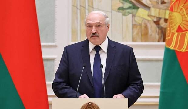 Многовекторность Лукашенко обретает второе дыхание из-за потери интереса Запада к протестам – журналист Шарапов