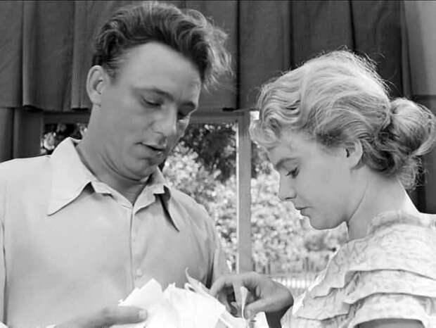 Кадр из фильма *Весна на Заречной улице*, 1956 | Фото: kvitka-stepnay.livejournal.com