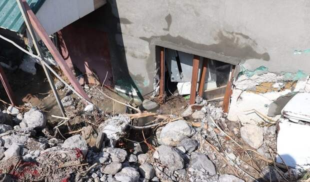 Ущерб от наводнения дворам жилых домов в Ялте и Керчи оценили в 160 млн рублей