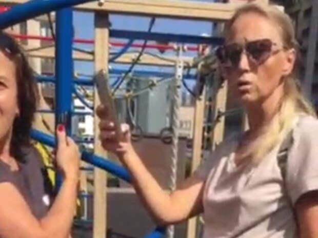 Гонявшей детей-инвалидов петербурженке пригрозили расправой