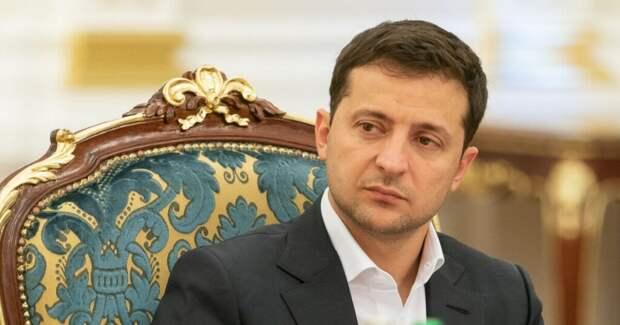 Владимир Зеленский одобрил изменения в названии Дня защитника Украины, добавив в него «защитниц»