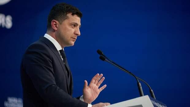 Зеленский отреагировал на требование Москвы о принятии особого статуса Донбасса