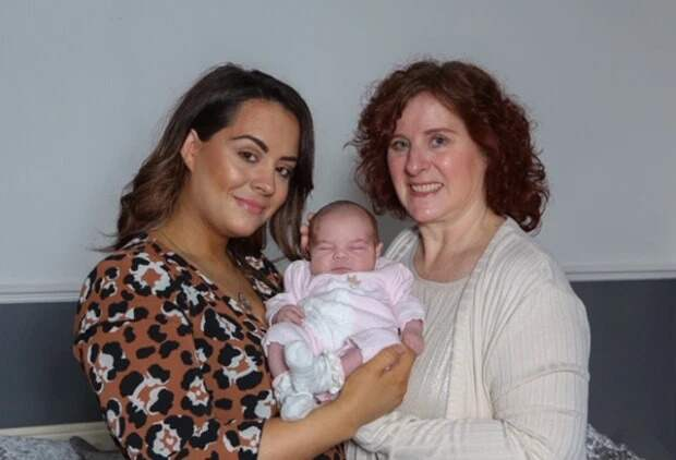 Под одной звездой: малышка, мать и бабушка родились в один день