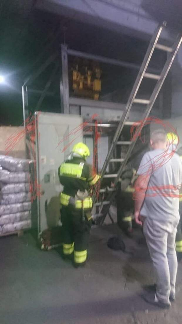 Следственный комитет начал проверку после падения лифта с людьми на Иловайской