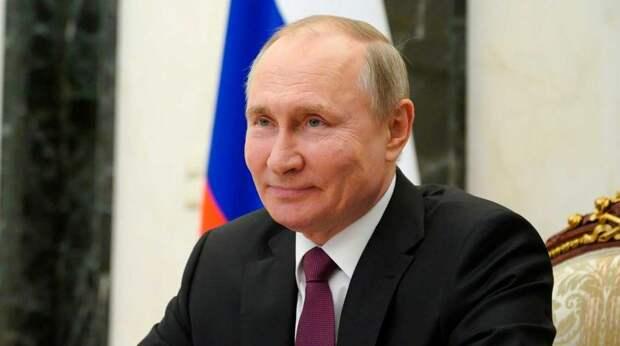Путин объявил о продлении майских праздников