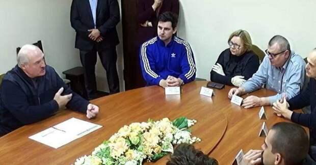 Юлия Витязева: Лукашенко одним разом записал себе в актив сразу три политических добродетели