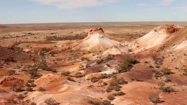 Так пустыня в Австралии стала основным поставщиком драгоценных камней / Фото: youtube.com