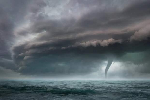 Ураган движется на Южный берег Крыма
