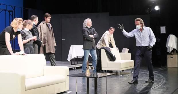 Премьеры спектаклей «Старший сын» и «И никого не стало» откроют 35-й сезон Театра Олега Табакова