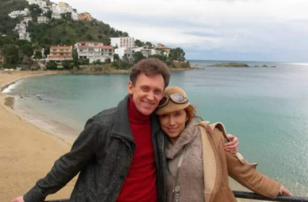 И Галкин не нужен: Сергей Дроботенко не хочет признаваться, что его любимая женщина — всем известная красавица