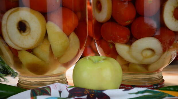 Помидоры с яблоками на зиму без уксуса и без лимонки. Можно давать даже детям Помидоры на зиму, Без уксуса, Без стерилизации, Помидоры с яблоками, Маринование, Помидор, Рецепт, Видео, Длиннопост