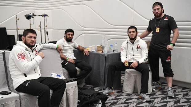 Хабиб показал, как проводит последние часы до боя с Гейджи: видео