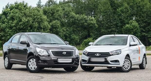 Chevrolet Cobalt и LADA Vesta сравнили в сети