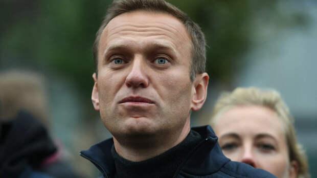 РИА Новости: Навального этапируют в колонию в Центральном округе
