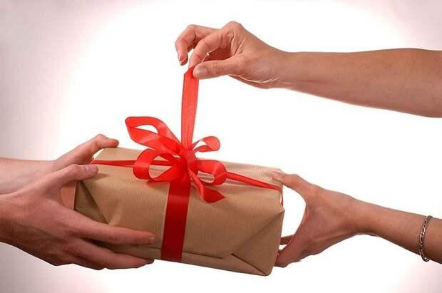10 подарков, несущих негативную энергетику
