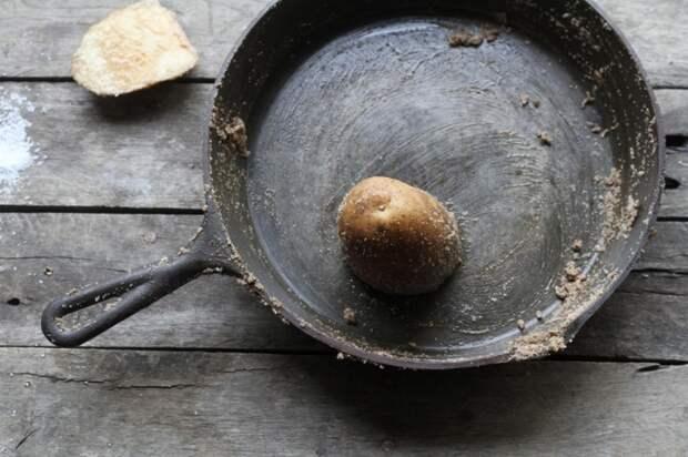 Картофель отлично справляется с худшими загрязнениями. /Фото: static1.bestie.vn