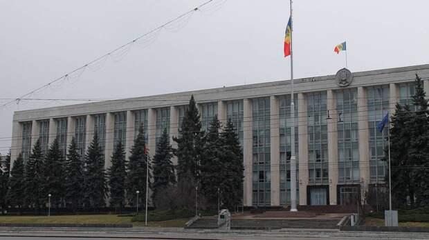 Администрация Кишинева призвала отключить тепло в Правительстве Молдавии для экономии газа