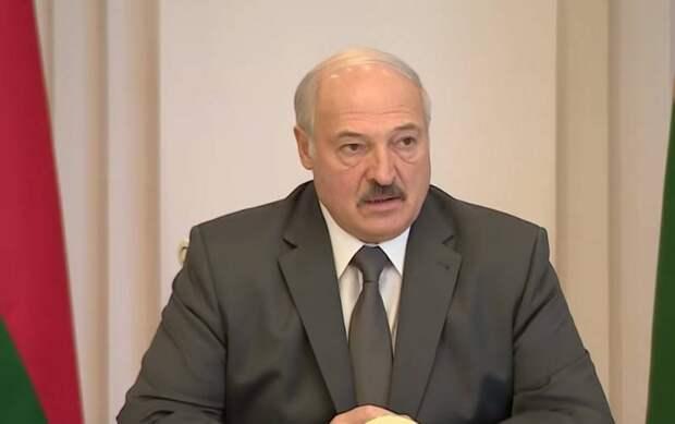 Лукашенко не будет отправлять чартеры за «прущими за границу» белорусами