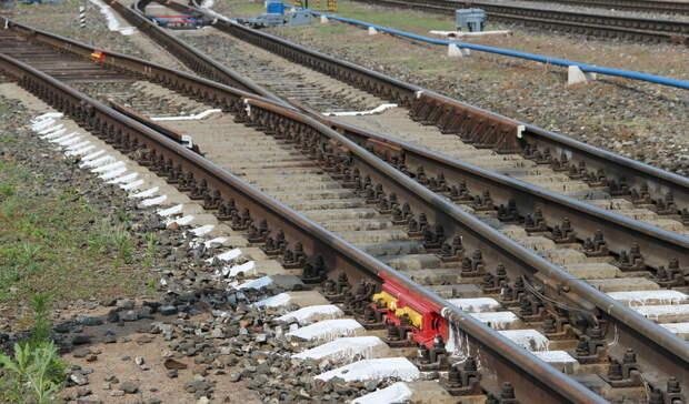 Поезд насмерть сбил мужчину вРостовской области