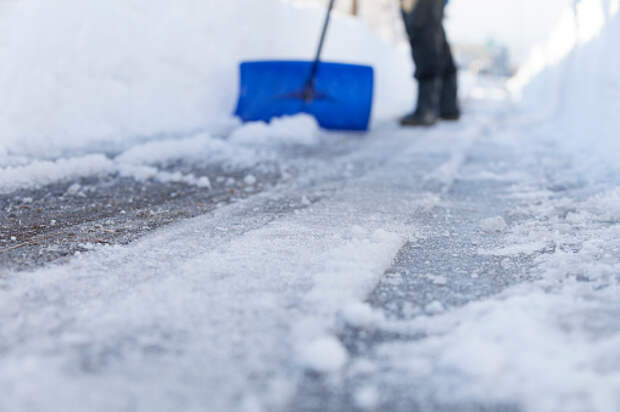 Парковки у дома на Петровско-Разумовском проезде избавили от снежного плена
