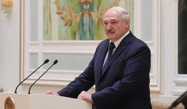 Лукашенко пообещали большие неприятности в случае победы Байдена