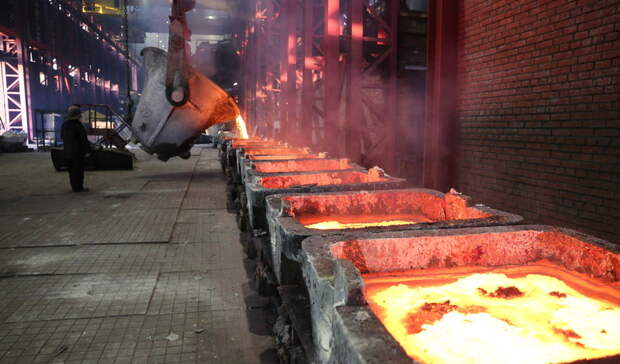 Медногорские металлурги отметили 82-ю годовщину со дня рождения ММСК