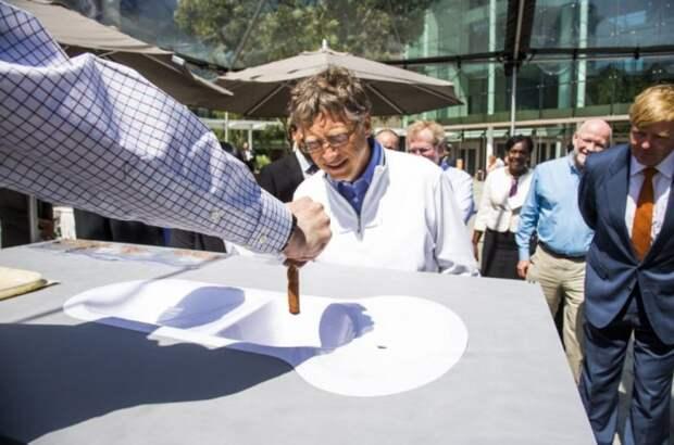 Гейтс лично проверяет все разработки.