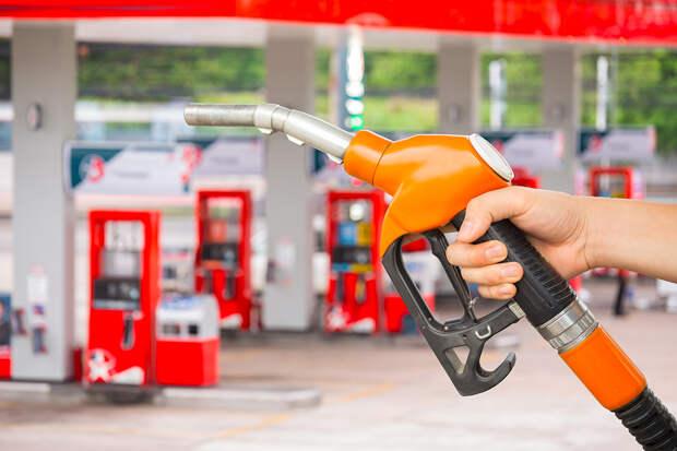 Бензин Аи-92 рекордно подорожал на бирже