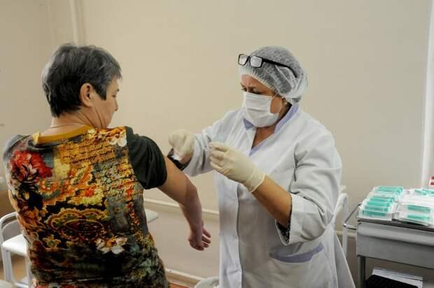 Прививку от коронавируса в Нижегородской области сделали более 79 тысяч человек