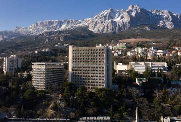 Горный поток разделил крымский курорт Кореиз пополам