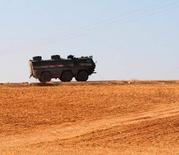 Трое российских военных пострадали при взрыве бомбы в Сирии