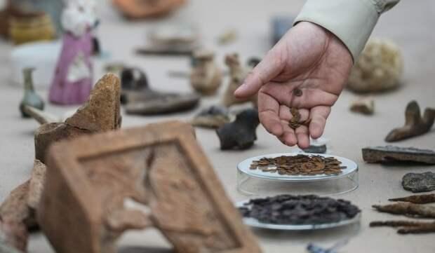 Археологи отреставрировали найденные в Хлебном переулке артефакты
