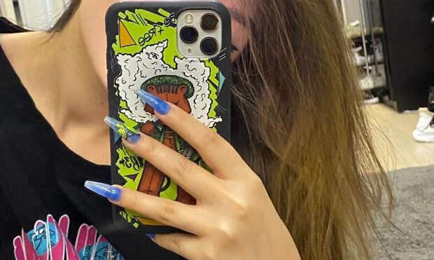 Маникюр как у Tenderlybae: семь модных идей для длинных ногтей
