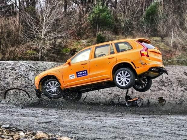 Крэш-тест нового Volvo ХС90: антикиллер